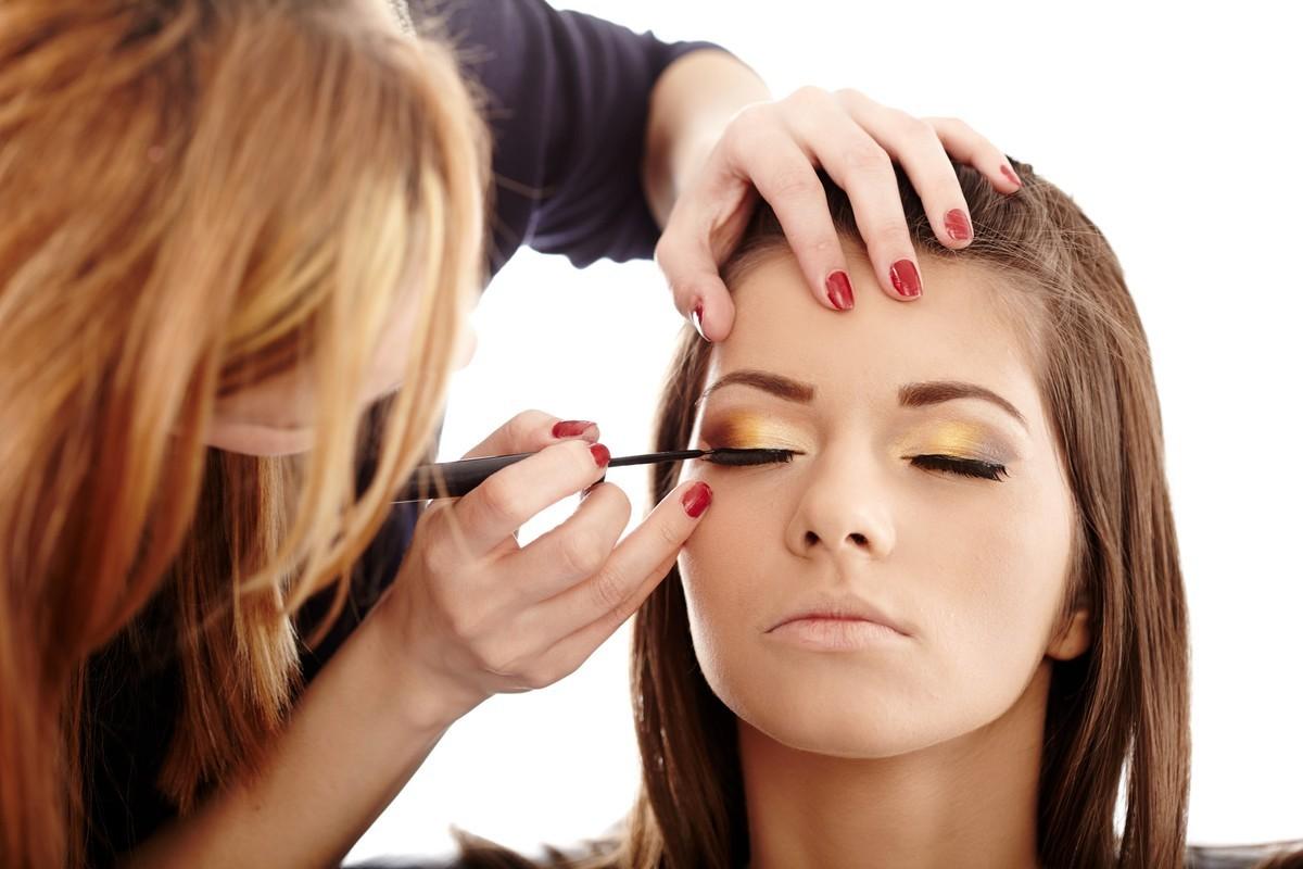 Как закончить курсы макияжа