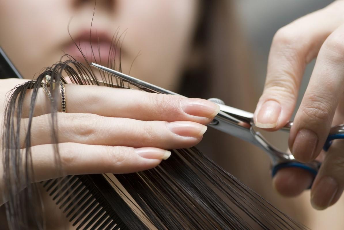 К чему снится как тебе стригут волосы